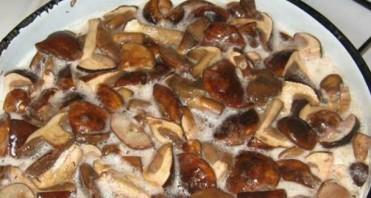 Маринованные белые грибы с уксусом - фото шаг 3