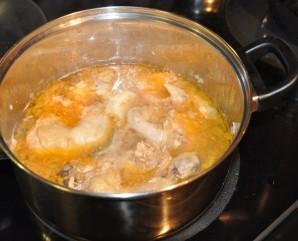 Отварная курица в сметанном соусе - фото шаг 3