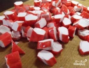 Салат из крабовых палочек с рисом - фото шаг 4