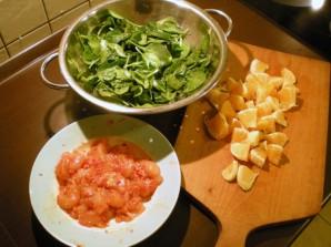 Салат с курицей и апельсинами - фото шаг 1