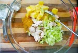 Салат из курицы с ананасом - фото шаг 3