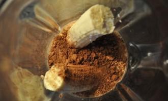 Бананово-шоколадный коктейль - фото шаг 2