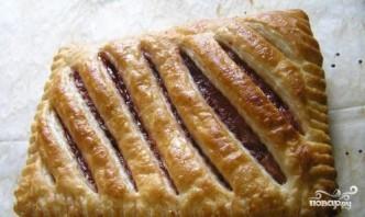 Пирог из слоеного теста с вареньем - фото шаг 4