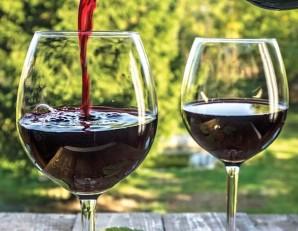 Домашнее вино из смородины без дрожжей - фото шаг 7
