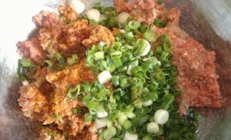 Лепешки с мясом - фото шаг 2