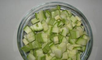 Омлет с кабачками в духовке - фото шаг 1
