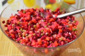 Салат из варёной свеклы - фото шаг 8