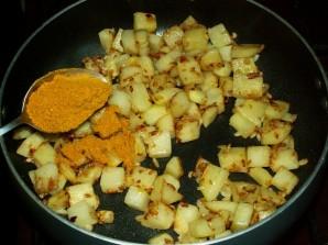 Тушеная картошка с цветной капустой - фото шаг 5