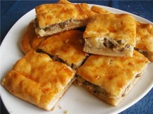 Пирог с картошкой и рыбными консервами - фото шаг 5