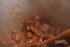 Говядина с баклажанами и помидорами в духовке - фото шаг 6