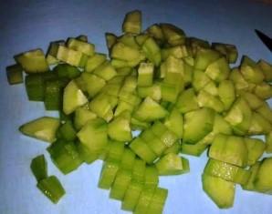 Простой салат с горошком консервированным - фото шаг 1