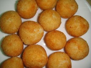 Сырные шарики в кляре - фото шаг 9