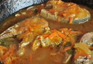Горбуша, тушенная с овощами - фото шаг 5