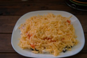 """Салат """"Марсель"""" с черносливом и корейской морковкой - фото шаг 4"""
