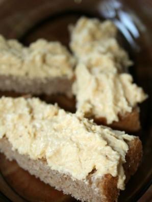 Бутерброды со шпротами и сыром - фото шаг 4