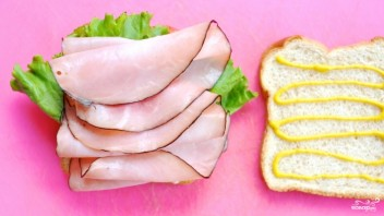 Бутерброд с ветчиной и помидорами - фото шаг 3