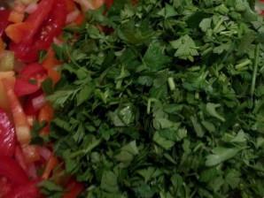 "Салат из помидоров на зиму ""Пальчики оближешь"" - фото шаг 4"