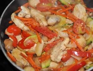 Соте из курицы с овощами - фото шаг 5