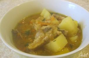 Картошка со свининой, тушенная в кастрюле - фото шаг 5
