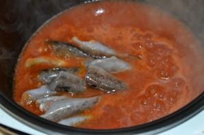 Бычки в томатном соусе - фото шаг 4