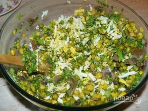 Салат с шампиньонами жареными - фото шаг 6