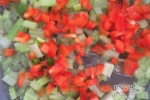 Слоеные пирожки с фаршем и овощами - фото шаг 2