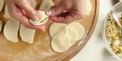 Быстрые маленькие пирожки с картошкой - фото шаг 5