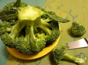 Салат из брокколи с апельсином - фото шаг 1
