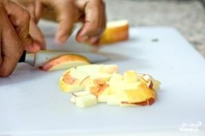 Салат с яблоком и сыром - фото шаг 2
