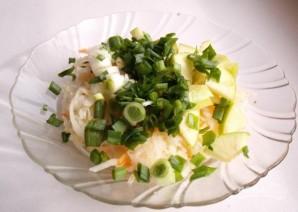 Салат из квашеной капусты с яблоками - фото шаг 3