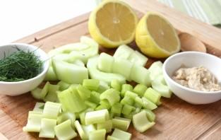 Салат из сырой цветной капусты - фото шаг 5