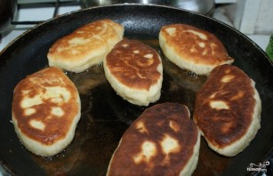 Пирожки с щавелем жареные - фото шаг 3
