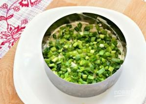 Слоеный салат с маринованными грибами - фото шаг 3