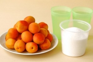 Варенье из абрикосов с косточками - фото шаг 1