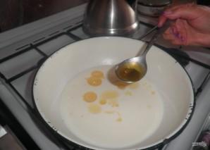 Дрожжевое тесто на пышки - фото шаг 2