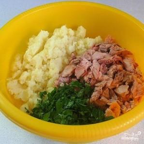 Биточки из лосося с картофелем и зеленью - фото шаг 3