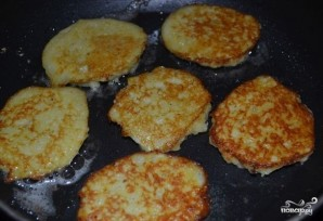 Картофляники из сырой картошки - фото шаг 10