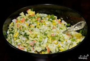 Крабовый салат с огурцом без риса - фото шаг 9
