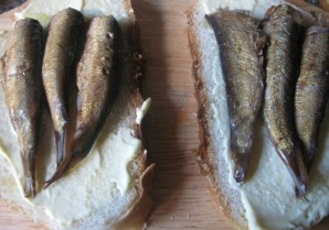 Вкусные бутерброды со шпротами - фото шаг 3