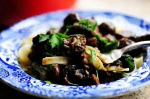 Жаркое из говядины с грибами - фото шаг 17