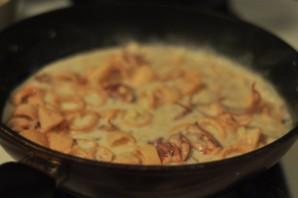Кальмары с сыром и чесноком - фото шаг 5