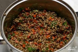 Салат из чечевицы с копченой рыбой - фото шаг 5
