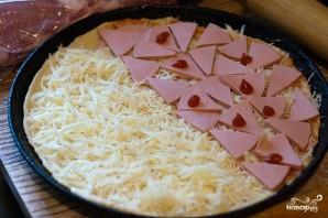 Пицца с сырной корочкой - фото шаг 6