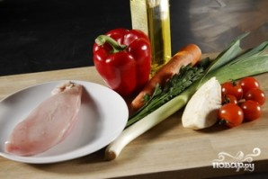 Перец, фаршированный курицей - фото шаг 1