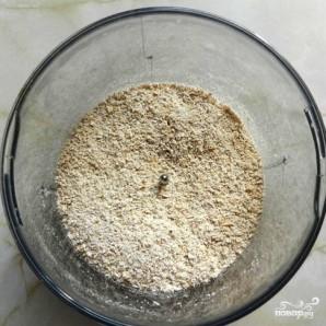 Овсяные оладьи с черной смородиной - фото шаг 2