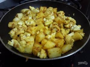 Шарики из цветной капусты и картофеля - фото шаг 2
