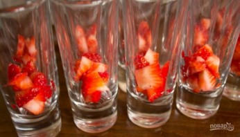 Десерт с маскарпоне и ягодами - фото шаг 3