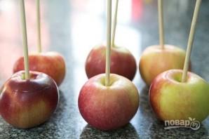 Яблочки в карамели - фото шаг 5