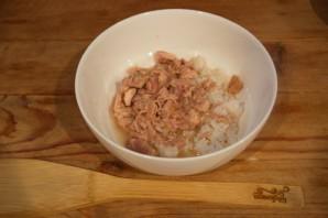 Салат с тунцом, рисом и сыром - фото шаг 1