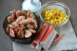 Салат с креветками и крабовыми палочками - фото шаг 1